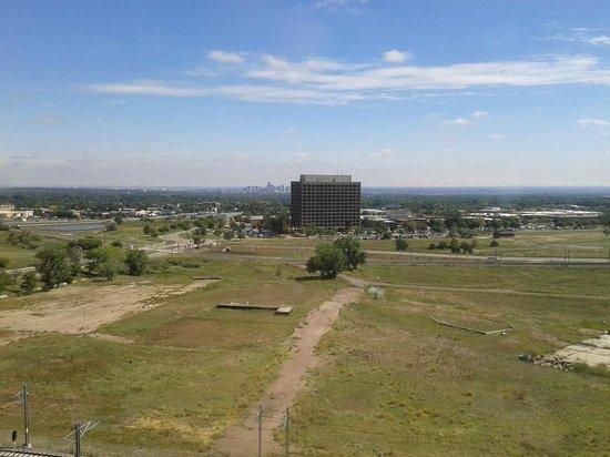 Sheraton Denver West Hotel : Vista hacia el este, centro de Denver