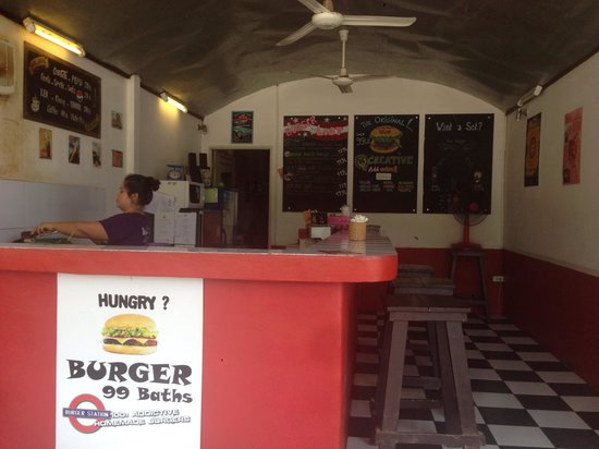 Burger Station : View inside the restaurant.