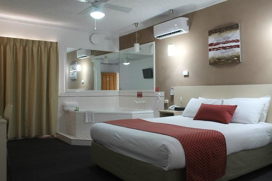 Adelaide Airport Motel: Superior Spa Room