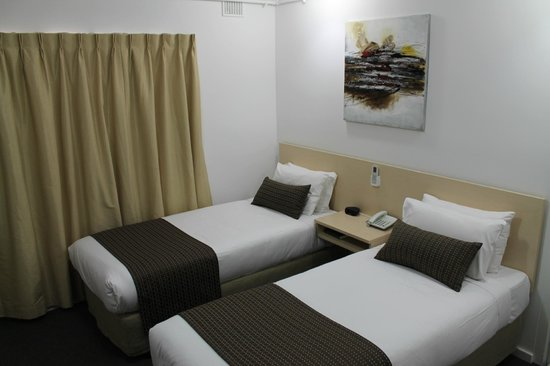 Adelaide Airport Motel: Executive Twin Room