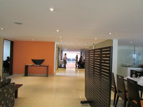 Hotel Richmond Suites: Business and conference rooms