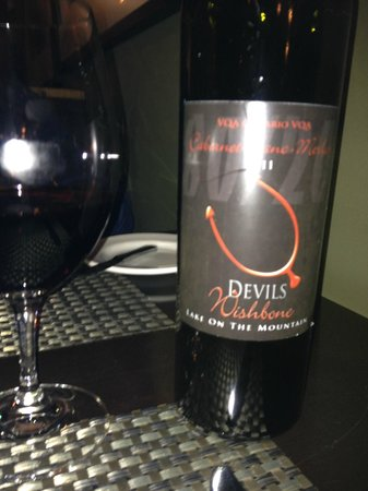 East & Main Bistro: Local wine