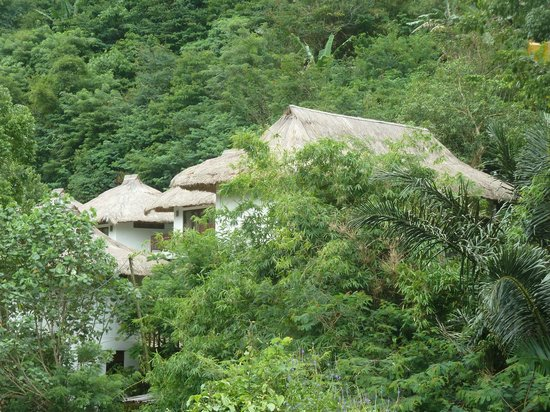 Kelimutu Crater Lakes Eco Lodge, Moni, Flores: overview of the 5 bungalows