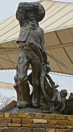 National Cowboy & Western Heritage Museum : Cowboy at entrance