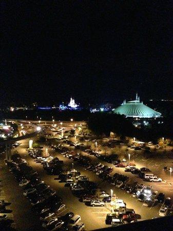 Bay Lake Tower at Disney's Contemporary Resort : MK view at night