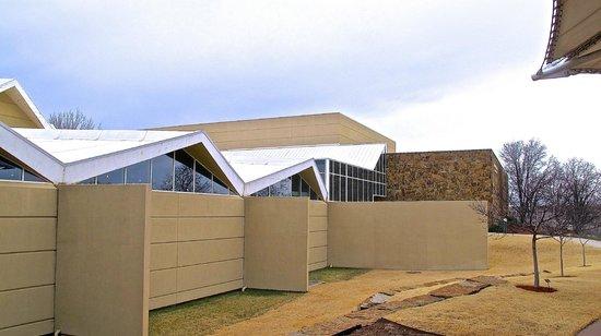 National Cowboy & Western Heritage Museum : Museum exterior