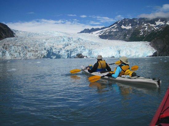 Kayak Adventures Worldwide: an afternoon at Aialik Glacier