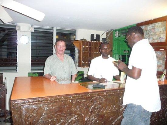 Coconut Villa Hotel : Office