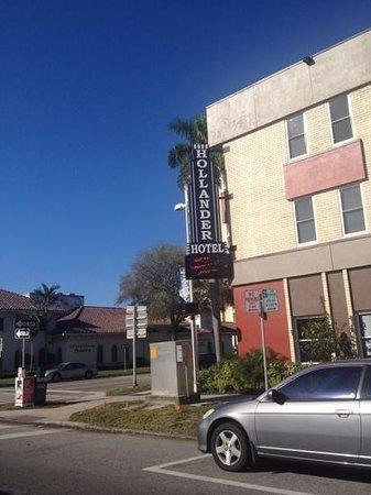 Hollander Hotel: corner of 4th
