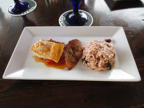 Guy Harvey's Island Grill : Swordfish, rice and beans, and fried plantains!