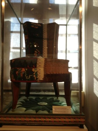 Musee du Compagnonnage: furniture and upholstery