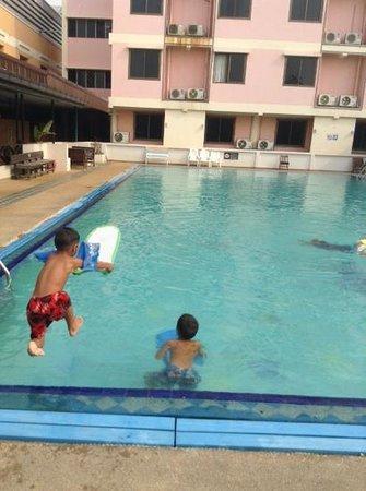 Phimai Inn: Hotelpool