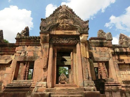 Prakhon Chai, Thái Lan: Prasat Hin Mueang Tum