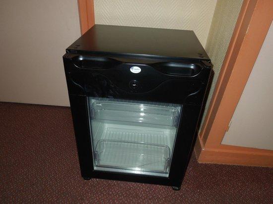 Royal Phare Hotel : 良く冷える冷蔵庫