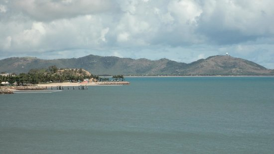 Mariners North Holiday Apartments : Looking towards Magnetic Island