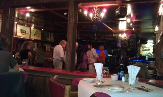 Cassie's Supper Club : A little line dancing at Cassie's!