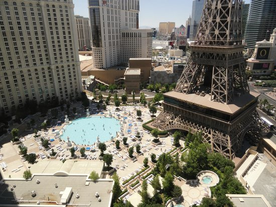 View of paris hotel 39 s pool from our room picture of for Paris hotel pool
