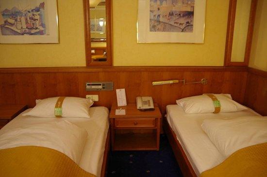 Holiday Inn Frankfurt-Airport North: 客室