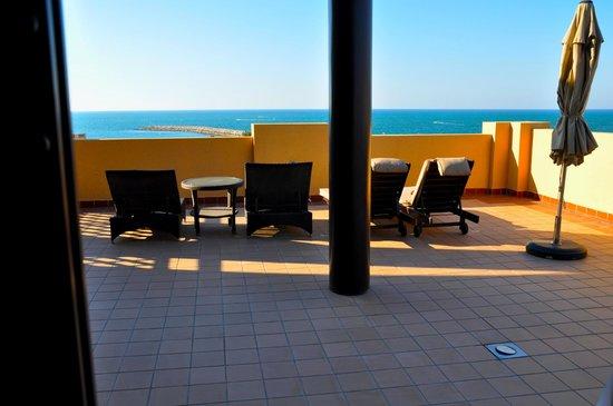 Hilton Ras Al Khaimah Resort & Spa: The portico.