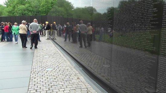 """Vietnam Veterans Memorial: """"Monumento a los Veteranos de Vietnam"""""""