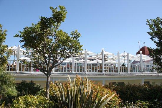 Coronado Sheerwater Restaurant: outdoor venue at the hotel