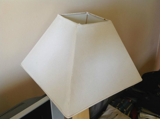 Caribe Hilton San Juan: Ugly Lamp Shade