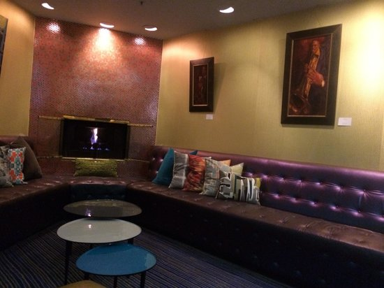 Hotel Triton: Lobby