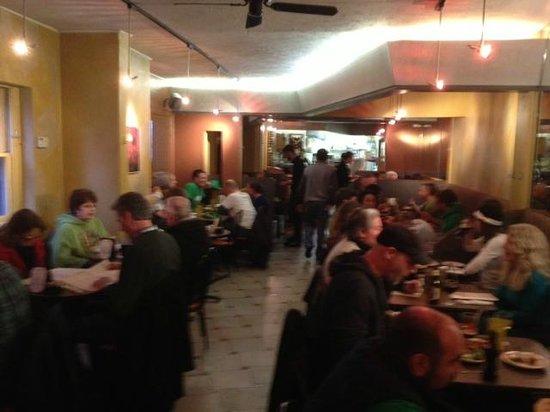 Sinbad's Mediterranean Cuisine: Sinbad's dining room
