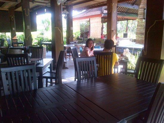 Suly Vegetarian Resort & Spa: sarapan pagi dengan menu yang standar