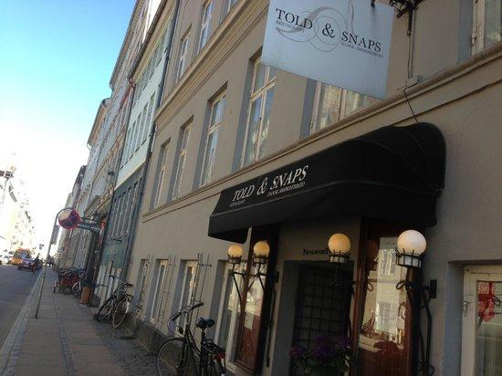 Told&Snaps : Restaurant2
