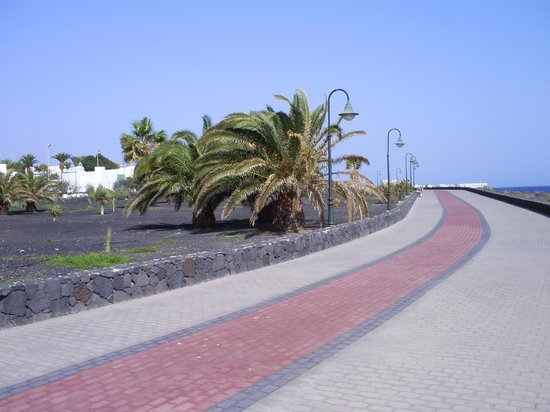 Occidental Lanzarote Mar: nice walk and not busy