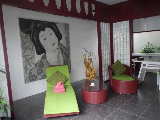 Bonsai Villas : Kitchen area