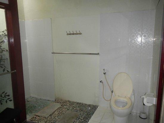 Bonsai Villas : Outdoor bathroom