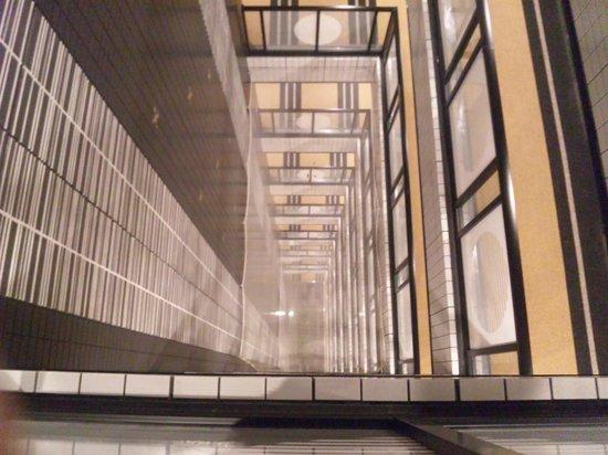 APA Hotel Ginza Kyobashi: 吹き抜け