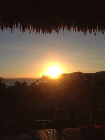 La Loma Linda: Bungalows, Yoga and Feldenkrais: Sunset from the terrasse