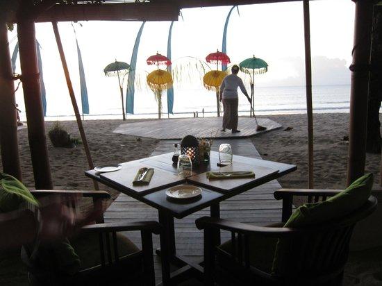 Belmond Jimbaran Puri: beach front restaurant, setting up for Balinese Dance show