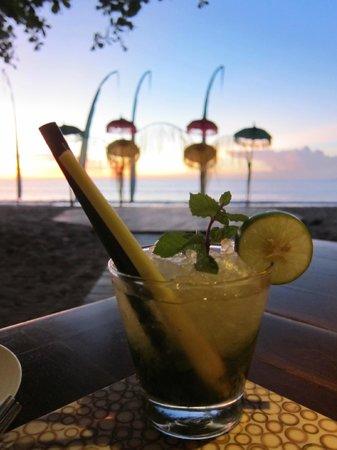 Belmond Jimbaran Puri: beach front restaurant