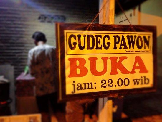 Gudeg Pawon: Jam layanan Gudep Pawon