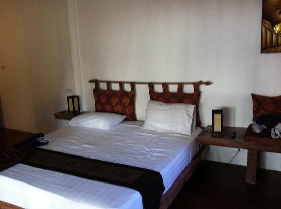 Intérieur bungalow - Picture of Angkana Hotel Bungalows, Ko Pha Ngan ...
