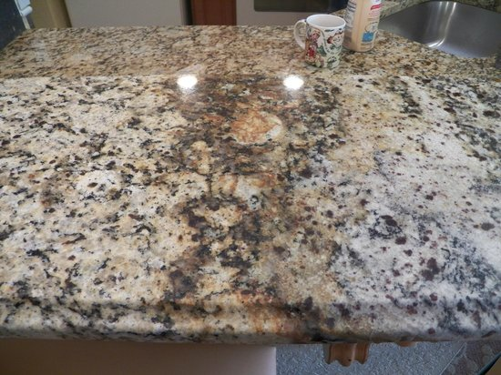 Ugly mismatched countertops  - Picture of Wyndham Bonnet Creek