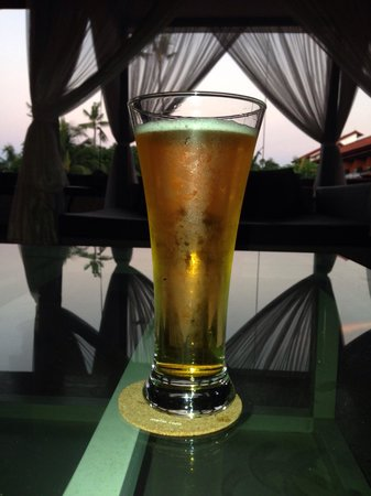 Sol Beach House Benoa Bali by Melia Hotels International : A nice cold beer after a day's sightseeing
