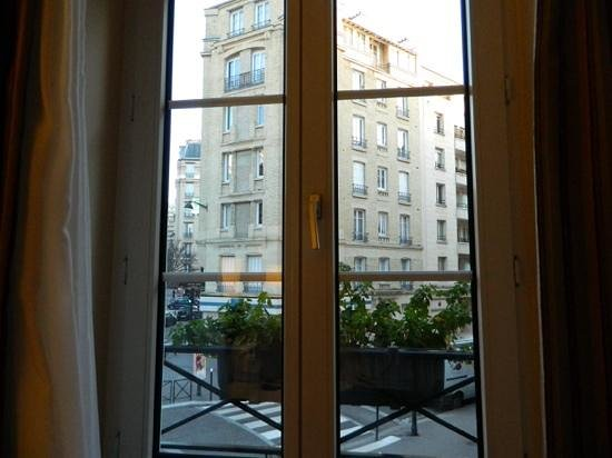 Eiffel Saint Charles: view from room