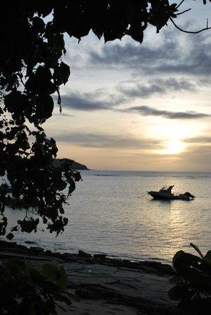 Tokoriki Island Resort: Sunset from our bure