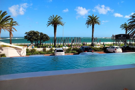 Camps Bay Resort: view from the bay hotel pool