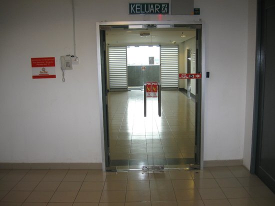 One-Stop Serviced Residence & Office: Entrance to a Corridor - open with a keycard only
