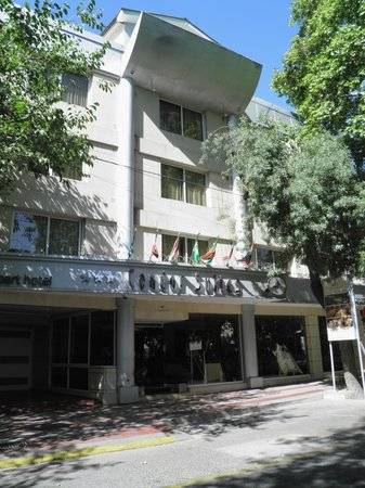 Condor Suites Apart Hotel: Hotel