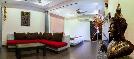Koh Tao Heights Exclusive Apartments: Studio Apartment Living Area
