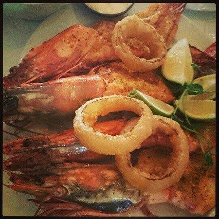 Blowfish Restaurant: огромные креветки