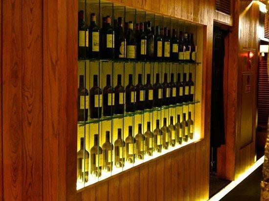 Ginza Miyachiku: A good wine selection, displayed long the corridor.
