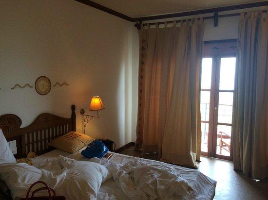 Amaya Hills : room